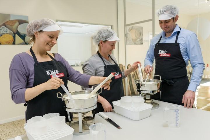Workshop - Käse selbst herstellen in Eurasburg 2/1